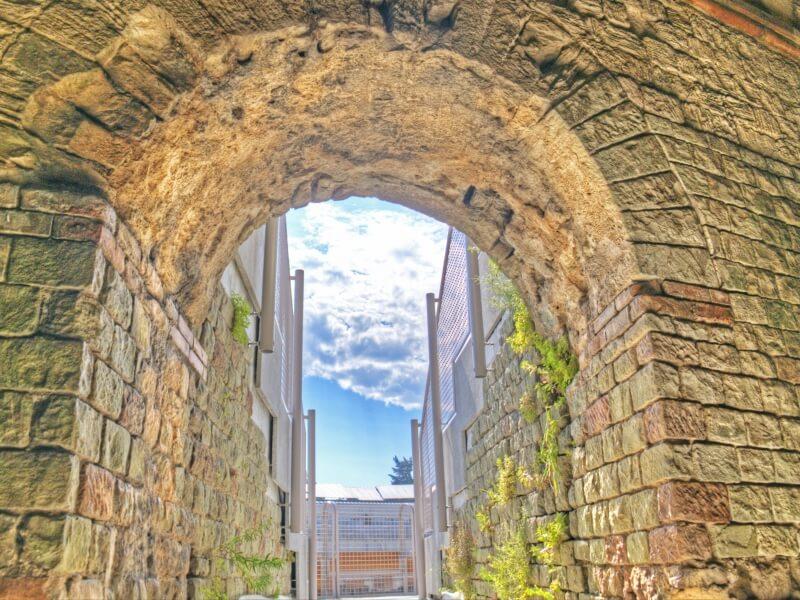 Amphithéâtre romain Arènes